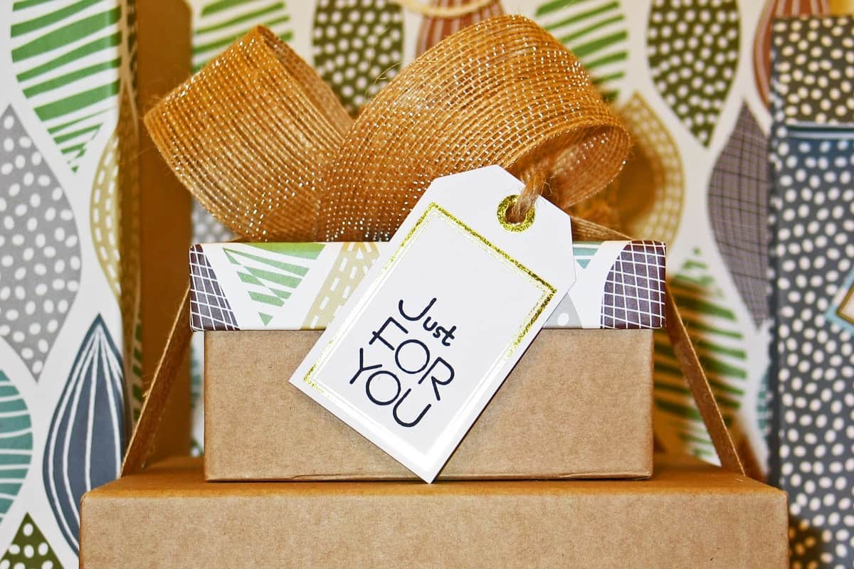 8 Instant Benefits of Giving a Gift Made of Wood