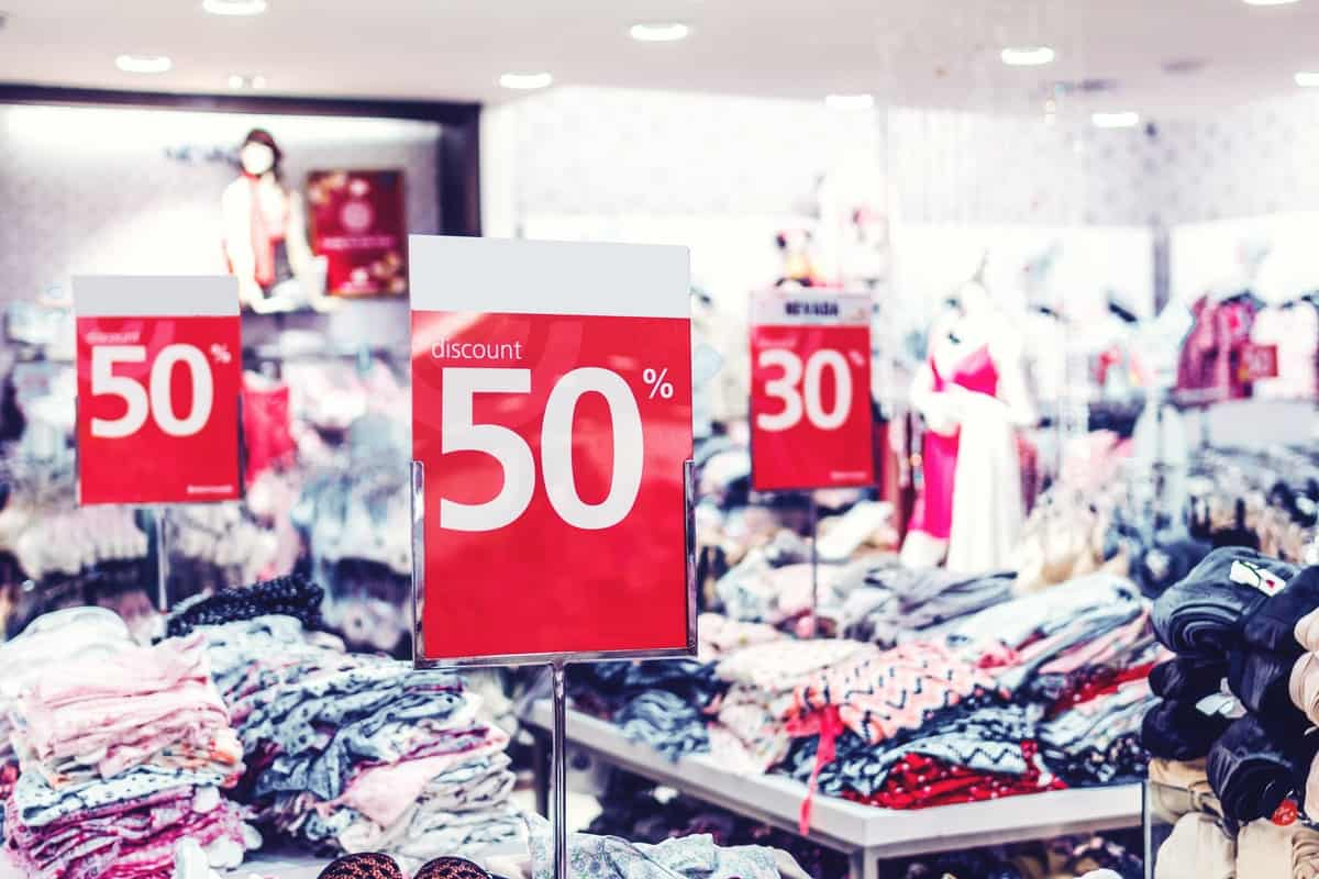 6 Tips for Shopping Clothing Sales