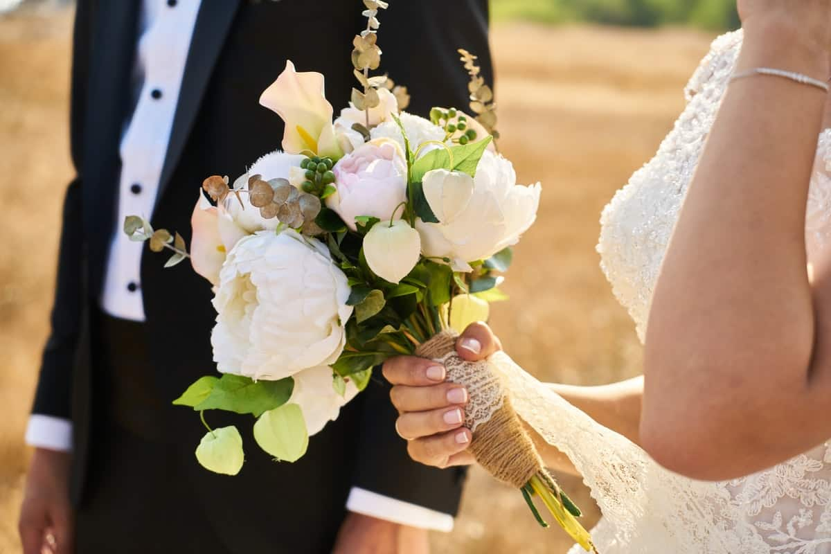 How to Find a Beautiful Wedding Dress in a Short Timeframe