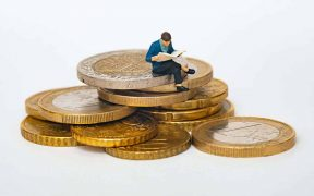 5 Reasons to Invest in Challenge Coins for Your Company