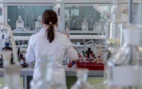 A Guide for Choosing Laboratory Furniture Ideal for Your Work